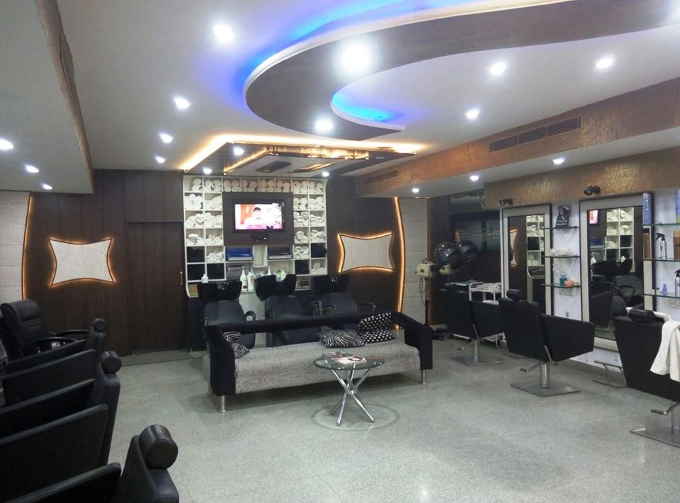 Running Spa and Unisex Salons Business For Sale in Malviya Nagar, South Delhi