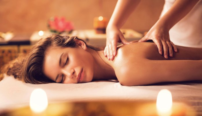 Aroma Therapy Massage in Delhi by Female to Male