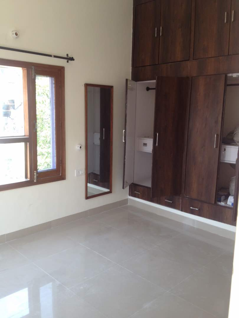 Image for Broker free luxurious gurmarg PG for girls in sector 7 chandigarh