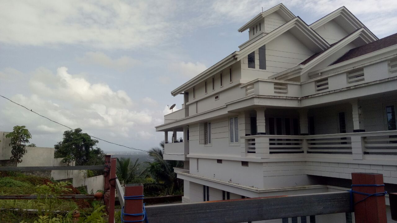 Image for 5500 Sqft house and 2. 8 Acre land sale in thrissur
