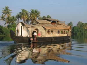 Attractive Houseboat Holiday Packages | Kumarakom Houseboat Holidays