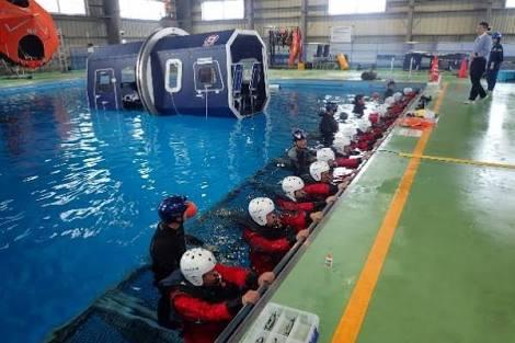 Huet bosiet sea survival safety course